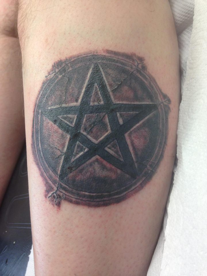 Tattoo, Black & Grey, Star, Pentagram, Stone, Cracked, Realism, Texture, Symbol